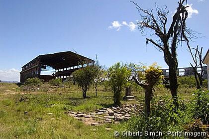 área abandonada do ex-Estaleiro Só