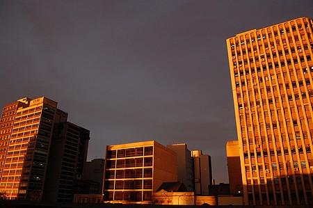 Centro ao Pôr-do-Sol © Gilberto Simon