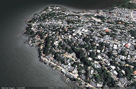 Vila do Sargento - Zona Sul - Bairro Serraria. Orla tomada por residências. Por que eles podem ?