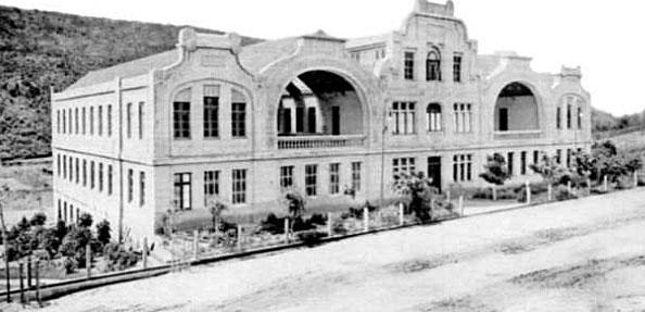 O prédio em 1921