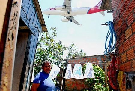 Vila irregular sairá para ampliação do aeroporto. Foto:  Andréa Graiz