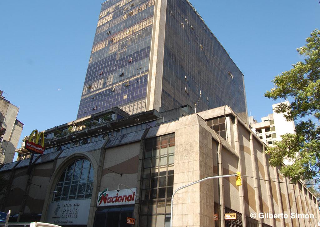 3206de22e86b9 Shopping do Centro de Porto Alegre é notificado por infestação de baratas