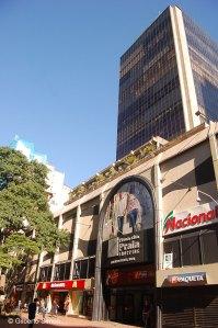 4afe6b82636ab Shopping Rua da Praia faz 21 anos