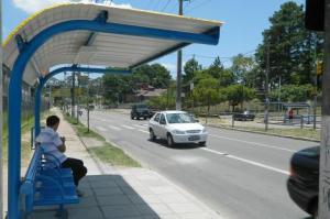 novo modelo de parada de ônibus