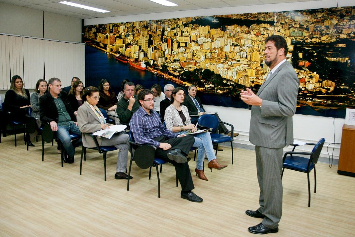 Secretário Raul da Rocha: Porto Alegre é das poucas capitais com indicadores   Foto: Samuel Maciel/PMPA