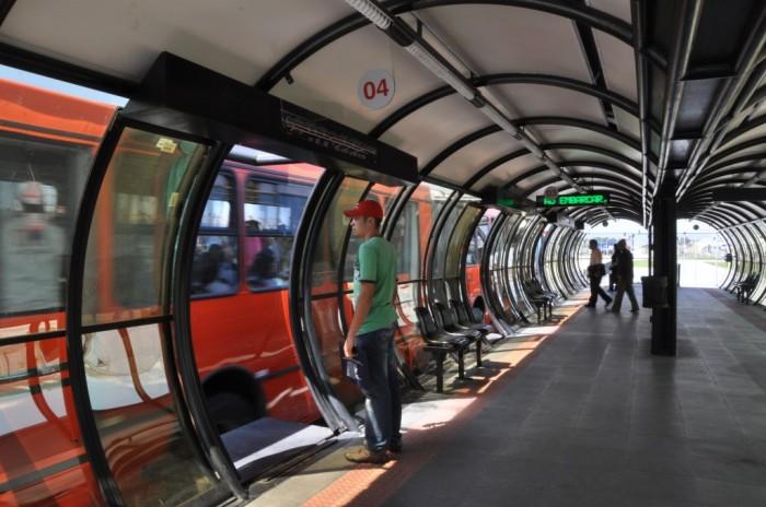 Estação BRT de Curitiba. (Foto: Mariana Gil / EMBARQ Brasil)