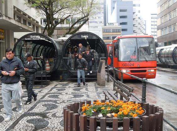 O BRT, cortesia: whltravel / flickr .