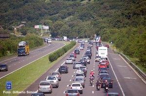 Freeway congestionada. Foto: Gilberto Simon