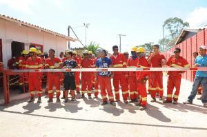 Funcionários da obra reclamam por melhores condições de trabalho  Crédito: Tarsila Pereira