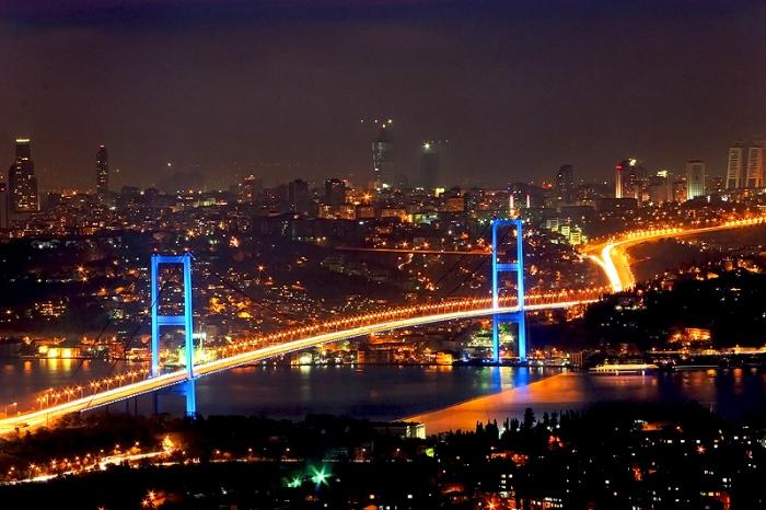 Ponte Bosphorus, que liga Ásia e Europa.