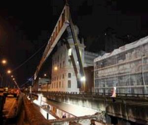 Remoção da primeira viga da rampa da Perimetral  créditos: Divulgação / Prefeitura do RJ