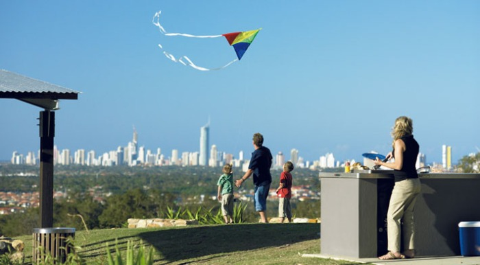 qld_the_observatory_images_kite_flying2_web