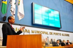 Superintendente em exercício do Salgado Filho, Hélio Cardoso Ferreira, disse que aeroporto suportará demanda da Copa | Foto: Francielle Caetano/CMPA