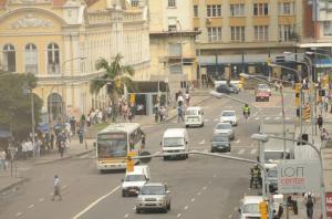 EPTC projeta investir em transporte público para evitar pedágio ou rodízio de carros em Porto Alegre  Crédito: Tarsila Pereira