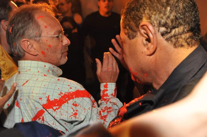 Secretário Busatto foi agredido durante protesto  Crédito: Mauro Schaefer