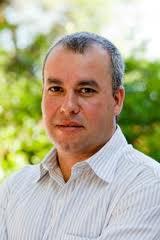 arlos Fernando Niedersberg, atual secretário do Meio Ambiente do RS foi afastado pelo Governador Tarso Genro assim como seus colegas citados acima.