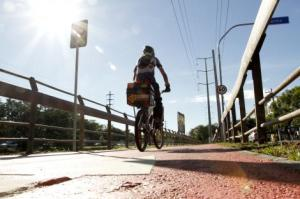 Porto Alegre já conta com 13 quilômetros de ciclovias   Foto: Cristine Rochol/PMPA