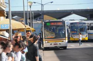Expectativa é que aprovação de projeto reduza encargos para empresas de ônibus  Crédito: Vinicius Roratto / CP Memória