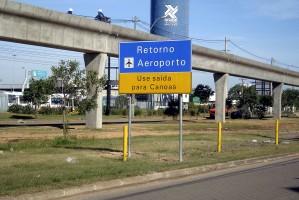 Projeto tem por objetivo qualificar a sinalização no entorno do Aeroporto   Foto: Marcos Federn/Divulgação PMPA