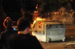 No protesto de segunda-feira, 25 contêineres foram incendiados  Crédito: Fabiano do Amaral / CP Memória