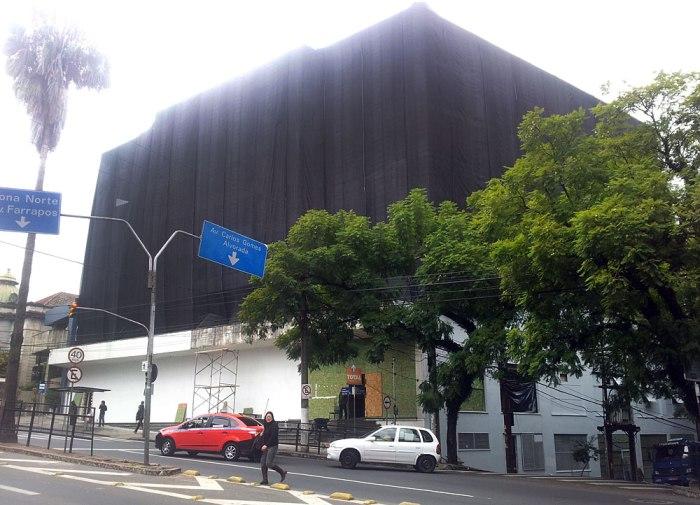Ruínas do antigo prédio da OSPA receberá empreendimento comercial de alto padrão. Foto: Gilberto Simon