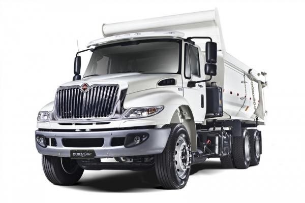 A International entregará dois lotes que somam 75 caminhões DuraStar 6x4, basculante, ao Ministério do Desenvolvimento Agrário (MDA), órgão do Governo Federal.