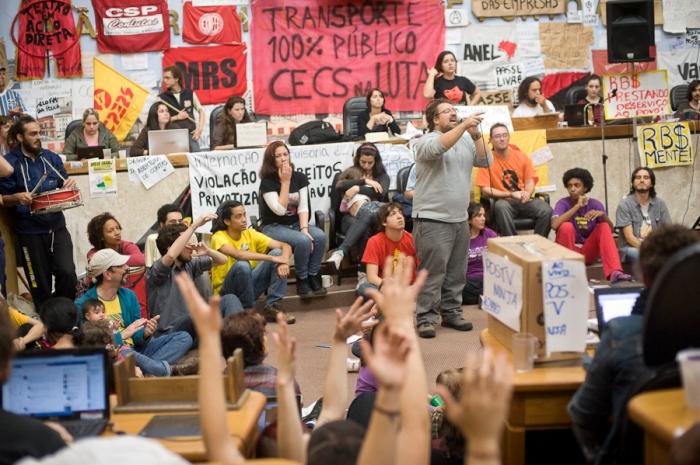 """""""Não temos disposição de sair antes desta reintegração, ainda mais porque o presidente rompeu o diálogo""""   Foto: Ramiro Furquim / Sul21"""