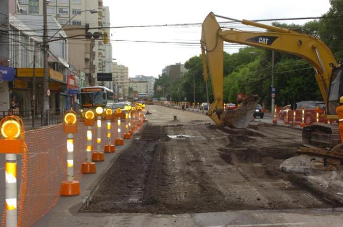 Operação do sistema BRT nos corredores de ônibus não será concluída antes do Mundial de 2014  Crédito: Paulo Nunes / CP Memória