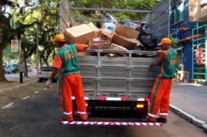 Serviço funciona pelo menos duas vezes por semana em 100% dos bairros   Foto: Divulgação / PMPA