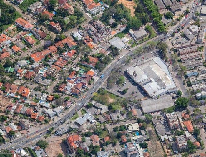 Projeto prevê novas infraestrutura e ciclovia, além de alargamento da avenida. Imagem: Google