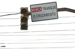EPTC suspende edital para compra de no breaks para sinaleiras Crédito: Bruno Alencastro / CP Memória