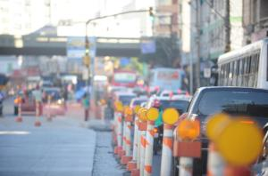 Início da manhã e final da tarde são os horários em que o tráfego é lento em Porto Alegre Crédito: André Ávila