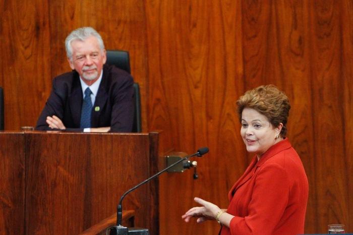 Dilma destacou determinação de Fortunati para a conquista do metrô   Foto: Luciano Lanes / PMPA