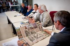 Conselheiro (d) listou uma série de problemas envolvendo a área verde.  Foto: Ederson Nunes