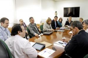 Técnicos da prefeitura apresentaram uma proposta de traçado para o local  Foto: Cristine Rochol/PMPA
