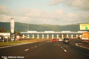 O pedágio de Osório, inaugurado 2 meses após a estrada. Foto: Gilberto Simon