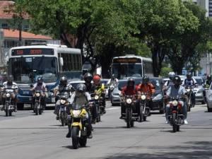 O Brasil ganha mais carros e motos do que gente créditos: Hans von Manteuffel / O Globo