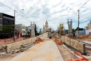Viaduto da Bento Gonçalves será uma das obras retomadas  Foto: Anselmo Cunha/PMPA