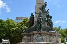 Monumento a Julio de Castilhos, um dos mais castigados pelo vandalismo. Foto: Gilberto Simon - Porto Imagem