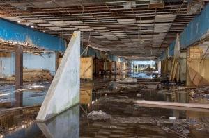 Dixie Square Mall: Harvey, Illinois - Abandonado.