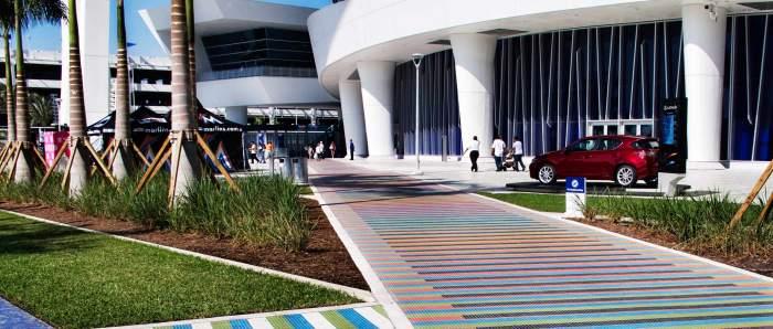 Marlins_Park_mosaic_walkways