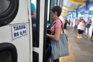 Passagem de ônibus passou de R$ 2,80 para R$ 2,95  Crédito: André Ávila