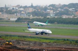 Ampliação da pista sequer começou e construção do Terminal 1 de passageiros está apenas na fase de fundação  Crédito: Samuel Maciel