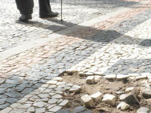 População reclama de calçadas do Centro de Porto Alegre  Crédito: Tarsila Pereira