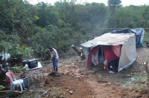 Famílias reivindicam moradia e querem deixar de pagar aluguel  Crédito: Samuel Maciel
