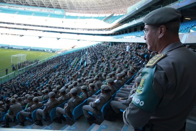 Policiais ouviram instruções e tiraram dúvidas com o Comando da Brigada Militar. (Foto: Robson Alves/Brigada Militar)