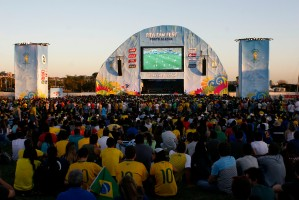 Milhares de pessoas curtiram a 1ª Fan Fest Foto: Anselmo Cunha/PMPA