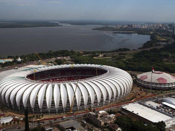 Porto Alegre: capital do RS tem ciclovias inacabadas e calçadas com buracos