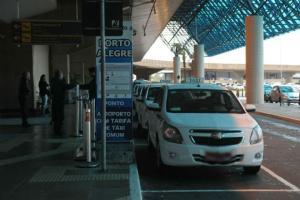 Teste revela abuso na cobrança de táxi no Aeroporto Salgado Filho