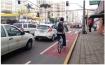 Um mês depois da implantação, a obediência às regras da Via Calma já é bem maior entre motoristas e ciclistas